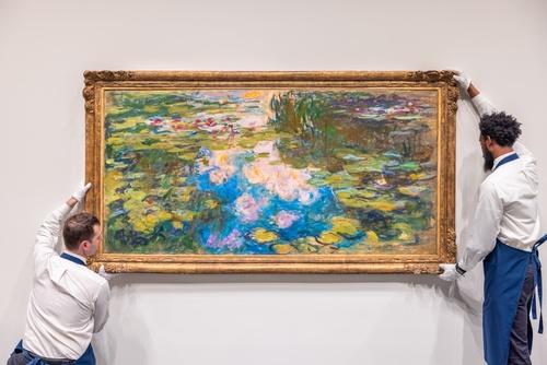 蘇富比連三場馬拉松式的拍賣 莫內的作品以高價20億成交 安迪·沃荷、巴斯奇亞作品亦高價售出