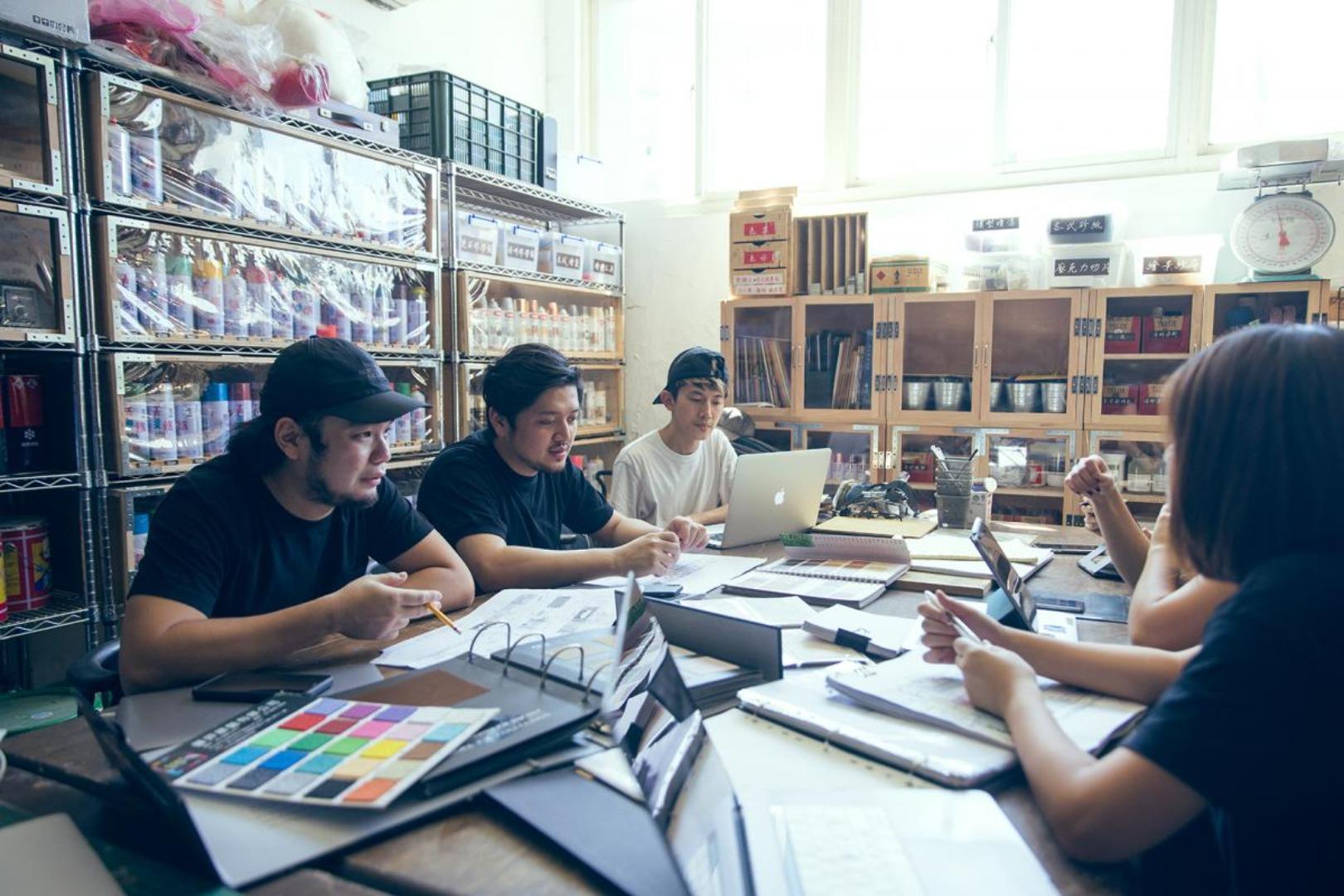 《返校》繪景統籌 – 山峸製作設計:整合設計、製作工作環節,健全幕後生態